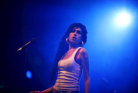 Amy_Winehouse_depressione_star_psicologia_in_tribunale
